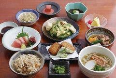 沖縄地料理 龍潭 とまりん店