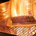 【理由:1】福岡では珍しい『藁焼き(わらやき)料理』が食べられる!