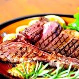 丁寧に焼き上げるステーキなど、お肉料理もおすすめです