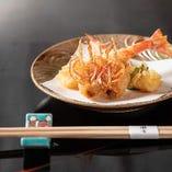 「活車海老の天ぷら」はぜひ味わっていただきたい逸品です