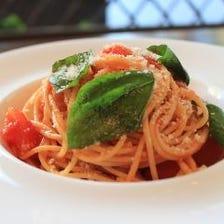 フレッシュトマトとバジル、モッツァレラチーズのオイルスパゲティー