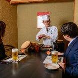 板前がお客様のお座敷で寿司を握るパフォーマンス企画!