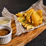 フライドポテト マンゴーチャツネ&クリームチーズ