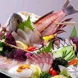 漁師さん直送の活魚とお刺身の盛り合わせ