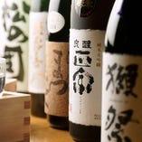 各地の蔵から仕入れる日本酒、こだわりの地酒数々【国内】