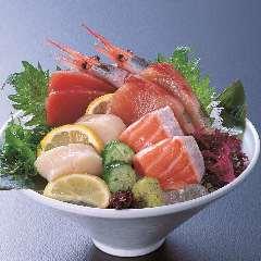 おすしと旬の魚介 魚々市