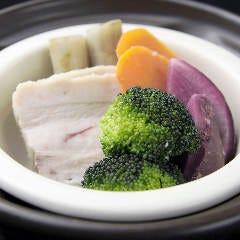 5種類の日替わり野菜の温野菜サラダ
