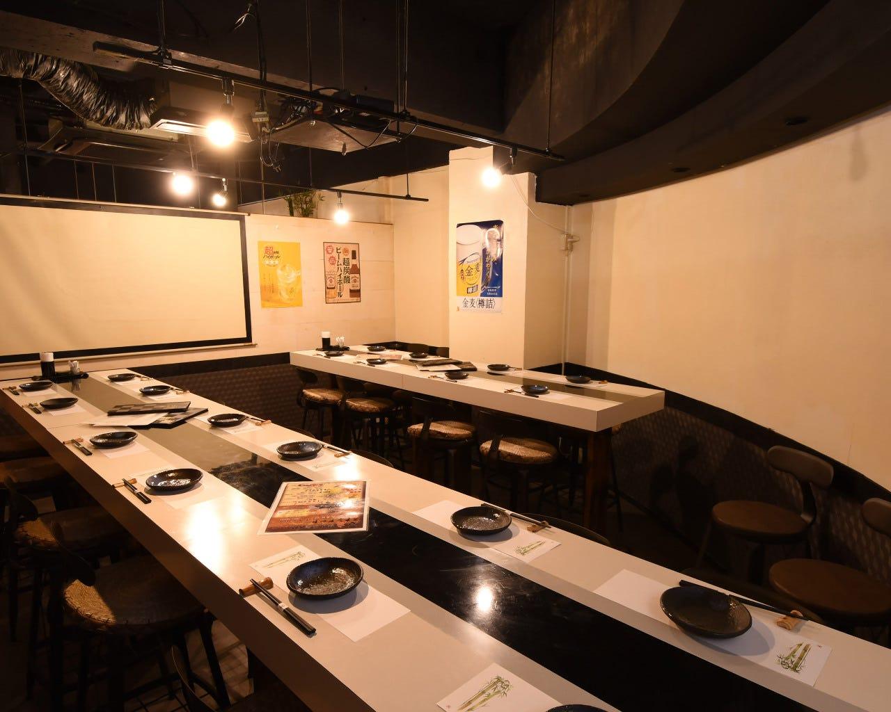 テーブル席・完全個室(壁・扉あり)・20名様まで