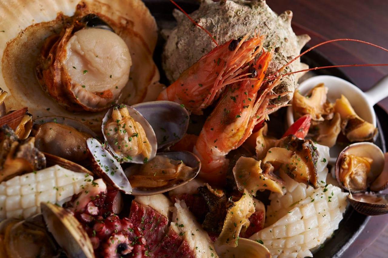 贅沢コース 5500円 豪華漁師盛り(あわびなど)+お肉三種プレート+野菜と全てを揃えた特別なコース