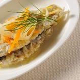 小皿前菜の小魚のエスカベージョ 500円