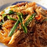 本格韓国料理も多数ご用意!チゲやチヂミ、トッポギなど…。