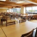 2階は松島を一望できる団体様専用テーブル席92席を完備。