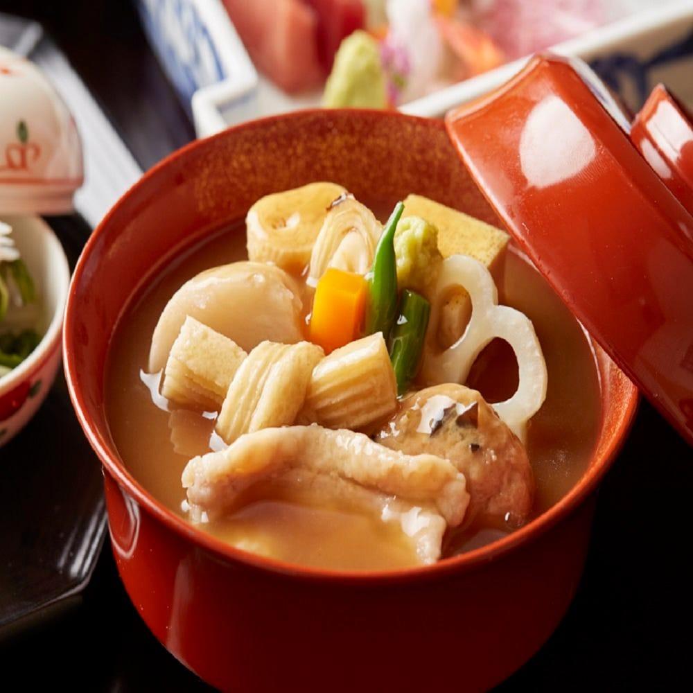 伝統の味,加賀料理の美意識をお届け