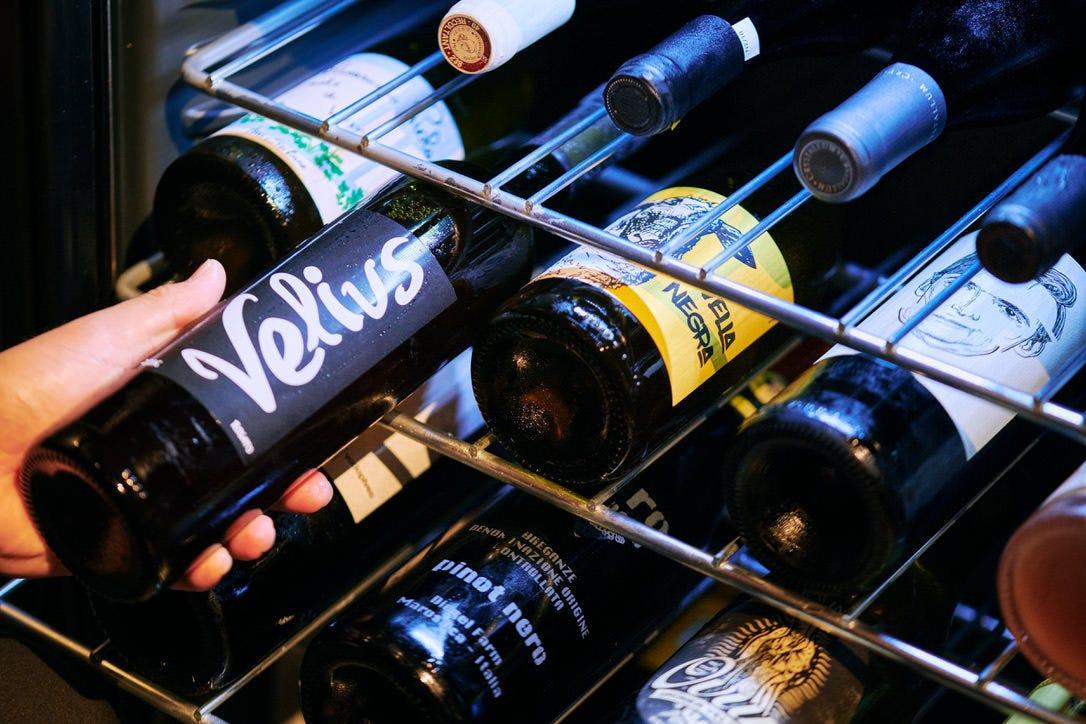 小規模生産者の丁寧な作りの自然派中心のワイン