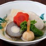 炊合せ 聖護院大根 海老芋 堀川牛蒡のすり身鋳込み 芽くわい 京人参 菜の花 冬