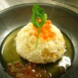 季節のお野菜を使った京料理「ゆりね饅頭 いくらの餡かけ」