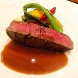 国産牛フィレを用いたステーキコース4500円