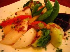 すくすくと育った健康な野菜達。