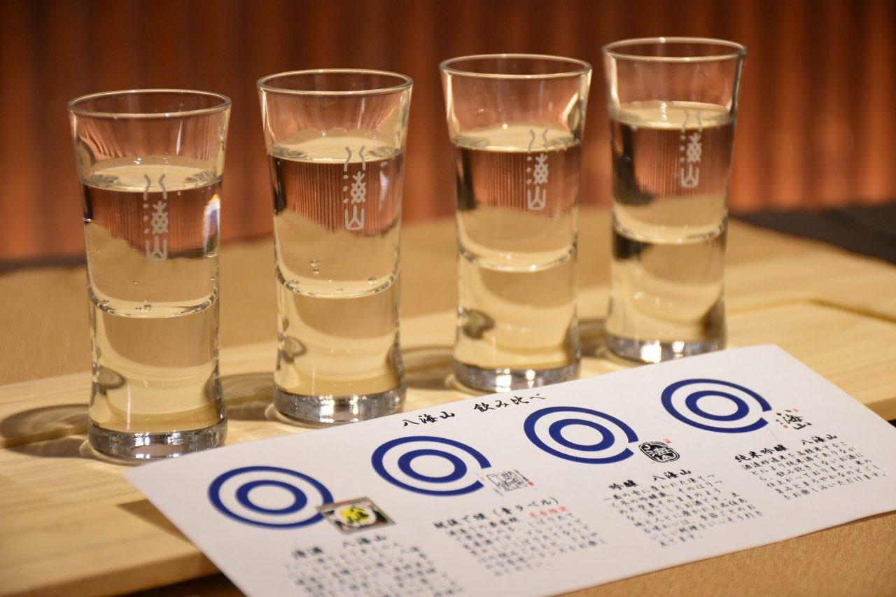 20種類の日本酒を取り揃えております