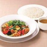 <平日ランチタイム限定> 国産豚と彩り野菜の甘酢ソースランチ