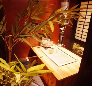 全席個室 炭火地鶏屋 地かろ 博多春吉店 店内の画像