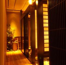 普通の居酒屋と少し違う上質な空間