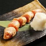 炙りたらこ/生たらこ <各>380円(税抜) 生か炙りをお好みで。日本酒が欲しくなる一品です。