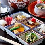 【お昼のご膳】丼物、ご膳、お寿司など1350円~