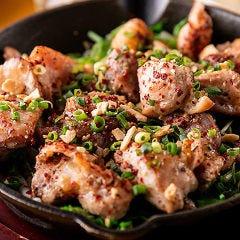 【親鶏】ガーリック鉄板ステーキ<黒富士の農場 甲斐市上芦沢>