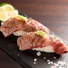 【名古屋コーチンと国産和牛の肉寿司食べ比べコース】3時間飲み放題付 全9品 5500円→4400円