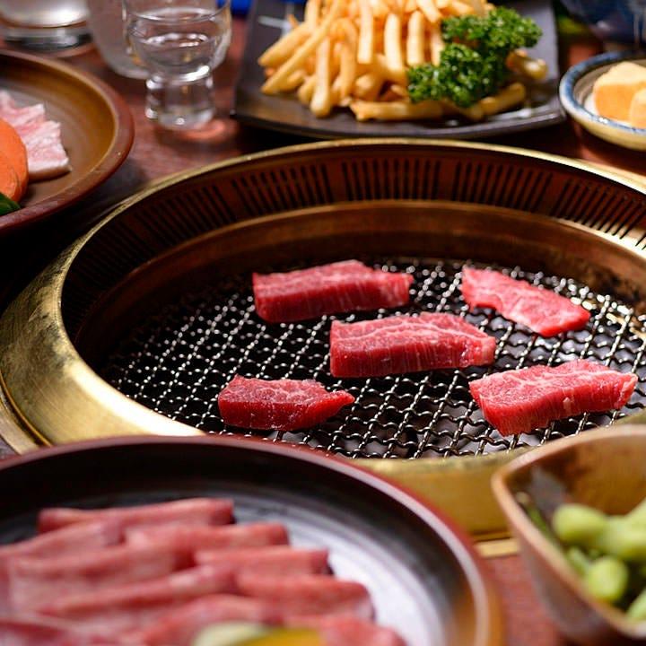 大満足の宴会を満喫◎焼肉など5種からお好きな3種を食べ放題で!