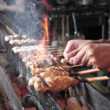 希少部位有◎地鶏の串焼き