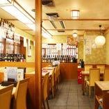 旬鮮魚やお寿司を味わう食事におすすめのテーブル席を多数ご用意