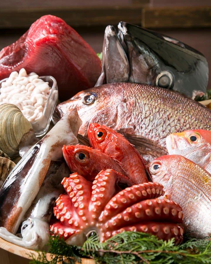 居酒屋老舗ならではの目利き力を 活かし、旨い魚介類をご提供!