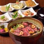 ステーキ丼(おばんざい付)