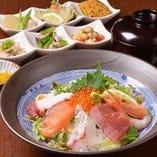 海鮮丼(おばんざい付)