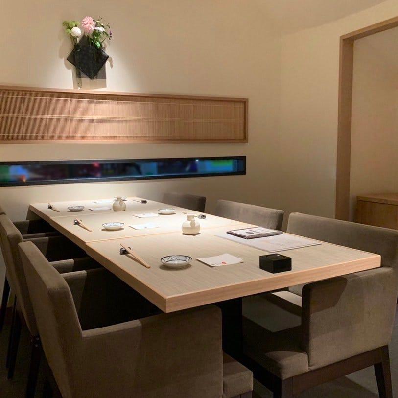 会食にもぴったりな完全個室を完備