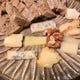 ビアザヴィオさんのチーズ盛りとPanezzaさんの天然酵母パン