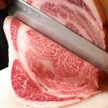 鳥取県の万葉牛。旨味と口どけの良さを味わえます。