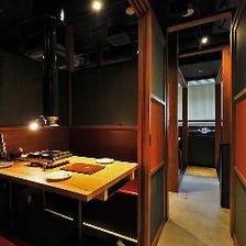 スタイリッシュな雰囲気の個室エリア