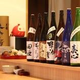 ズラリと並ぶ日本酒はどんな銘柄があるかを探すのも楽しいです。