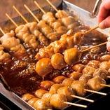 こだわりの「たれ焼き串」 「鴨皮串」「鶏つくね串」