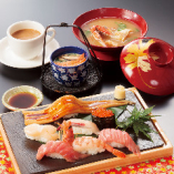 ランチ限定☆ 厳選の特上握りの「特上寿司セット」