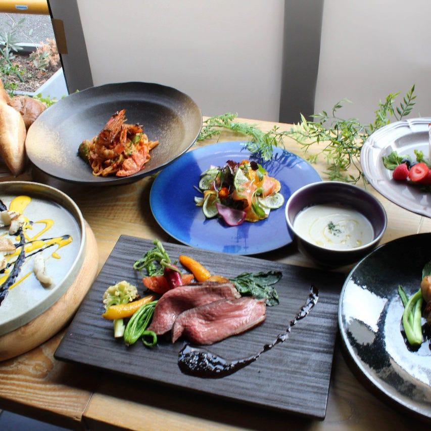 懐石スタイルや大皿料理など幅広く