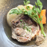 塩麴でマリネした茶美豚肩ロース肉のポトフ
