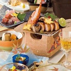 会席は日会席より承ります。稀少な日本酒やワインも充実!