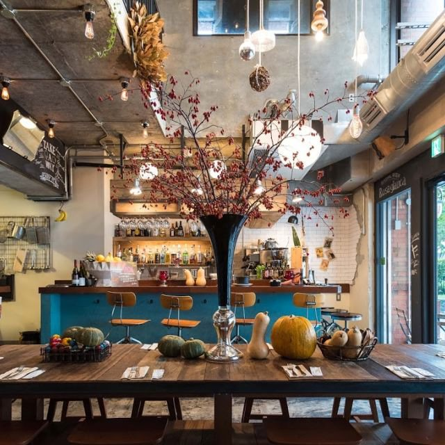 浅草の街の暮らしの中に息づく食堂