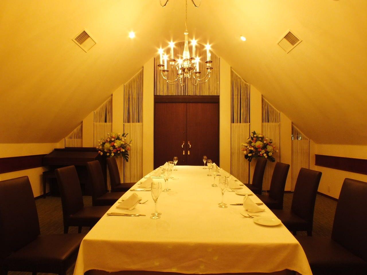 テーブル席・完全個室(壁・扉あり)・3名様~12名様