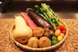 1F鉄板焼では季節のお野菜をご堪能下さい