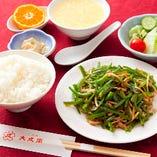 青椒炒肉子(ピーマンいため)定食